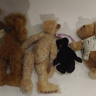 (4) Steiff and Artist Teddy Bears