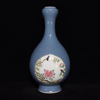 Beautiful Chinese Gilt Edge Blue Glaze Famille Rose Porcelai