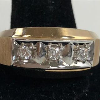 10KT YELLOW GOLD GENTS RING