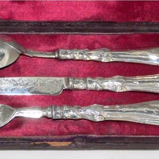 A Cased Victorian Sterling Silver Christening Set