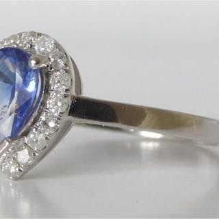 14CT WHITE GOLD SAPPHIRE AND DIAMOND RING