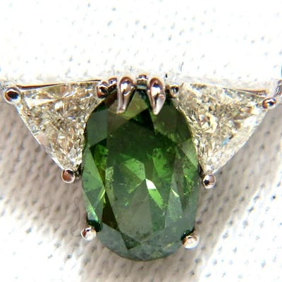 3.26CT ENHANCED FANCY COLOR GREEN DIAMOND NECKLACE SIDE