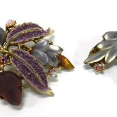 An Aurora Purple & Pink Gemstone Brooch & a Pair of Matching