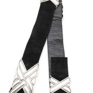 An Antonio Pineda silver and suede belt