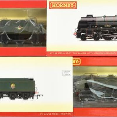 PAIR inc Hornby (China) (ex shop stock) BR green