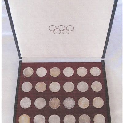Original case with 24 silver coins Olympics 1972 Munich  UNC