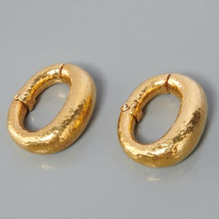 David Webb 18k gold clip earrings