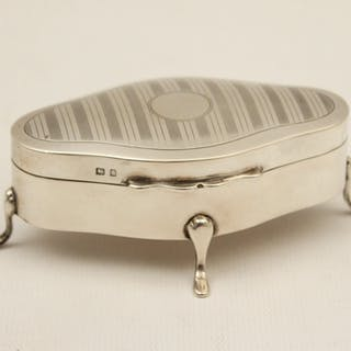 ENGLISH STERLING SILVER HINGED BOX