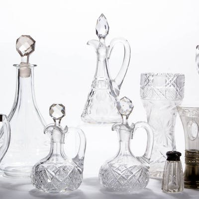 ASSORTED CUT / ENGRAVED GLASS ARTICLES, LOT OF TEN