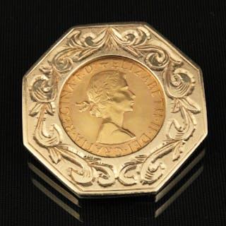 1963 GOLD SOVEREIGN COIN IN 14K FRAME;  20.1 GR TW