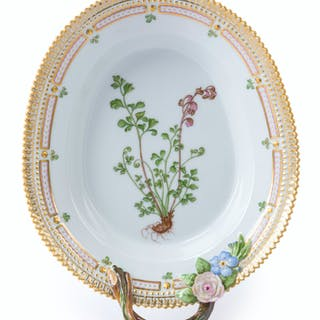 "A Royal Copenhagen ""Flora Danica"" pickle/accent platter"
