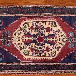 Turkish Yahyali Rug, 1.11 x 3.9