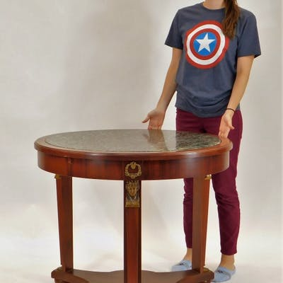 American Neoclassical Mahogany Round Center Table