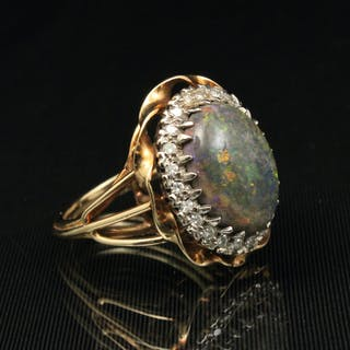 14K Y/G OPAL AND DIAMOND RING;  9.5 GR TW