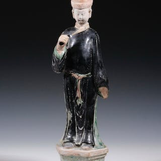 MING DYNASTY POTTERY COURT FIGURE