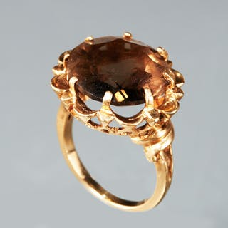 14k gold and smoky topaz ring
