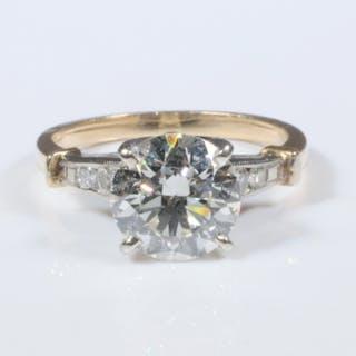 14K GOLD & DIAMOND ENGAGEMENT RING