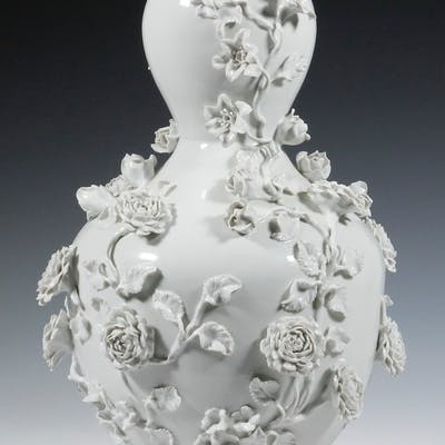CHINESE BLANC DE CHINE DOUBLE GOURD VASE