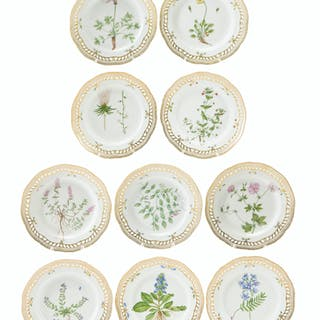 "Ten Royal Copenhagen ""Flora Danica"" dinner plates"