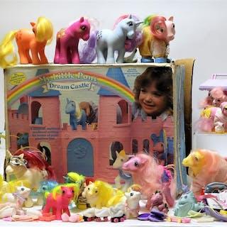 20PC Hasbro My Little Pony G1 Toys & Dream Castle