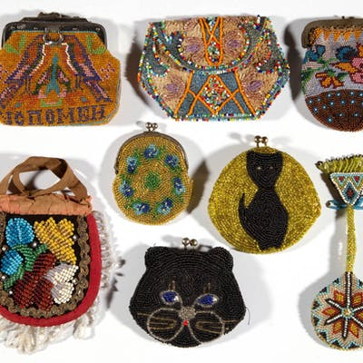 ANTIQUE AND VINTAGE BEADED COIN / SMALL PURSES, LOT OF EIGHT