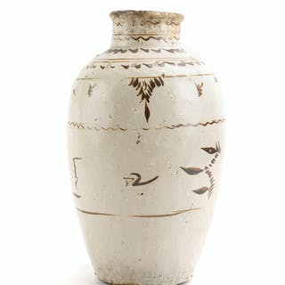 A Chinese glazed pottery vase