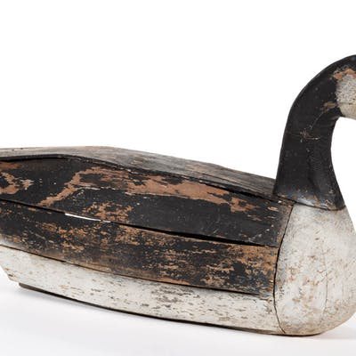 FOLK ART CARVED AND PAINTED CANADIAN GOOSE DECOY