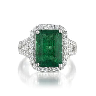 Orianne 5.09-Carat Emerald and Diamond Ring