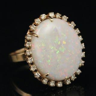 14K Y/G OPAL AND DIAMOND RING; APPX. 0.40 CTW DIAS.;  8.0 GR TW