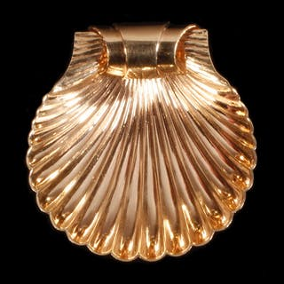 SCALLOP SHELL DESIGN BROOCH, 14K YELLOW GOLD