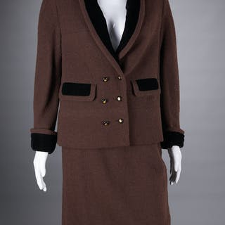 Chanel Boutique brown boucle skirt suit
