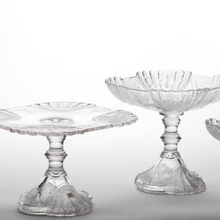 DUNCAN NO. 555 / SHELL AND TASSEL TABLE ARTICLES, LOT OF FOUR