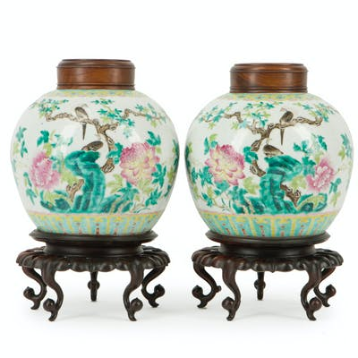 A pair of Chinese wedding jars