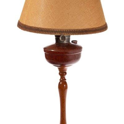 ALADDIN AUSTRALIAN BAKELITE KEROSENE TABLE / BANQUET LAMP