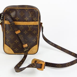 4adf0f574da8 Louis Vuitton Danube shoulder bag – Current sales – Barnebys.com