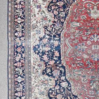 A Persian Farahan Sarouk carpet
