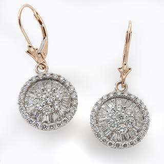 15360c13d Earrings diamonds – Auction – All auctions on Barnebys.com