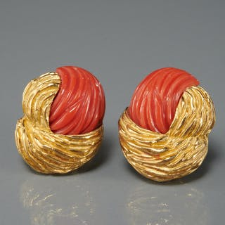 18k gold and coral earrings