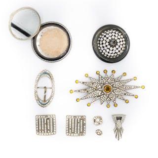 3a8d9ca0c5a2 Polvera y colección de joyas de bisutería antigua Tessera Subastas