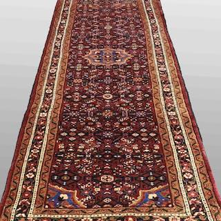MATTA, persisk, gallerimodell, hamadan. 306 x 93 cm.