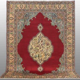 MATTA, persisk, figural täbriz, 387 x 292 cm.