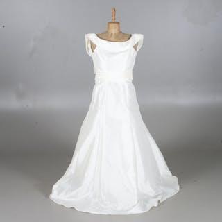 1d975b968550 Brudklänning – Auktion – Alla auktioner på Barnebys.se