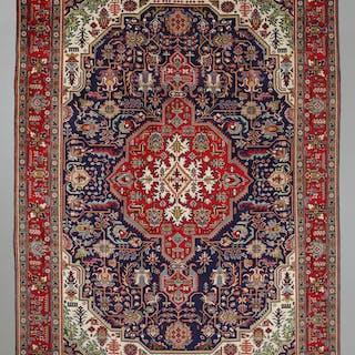 MATTA, persisk, Täbriz, 340 x 242 cm.