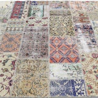 MATTA, carpet patchwork, 231 x 220 cm.