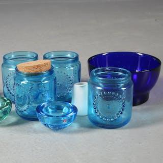 SKÅLAR samt burkar i färgat glas, 8 delar, Nanny Still, Alvar Aalto
