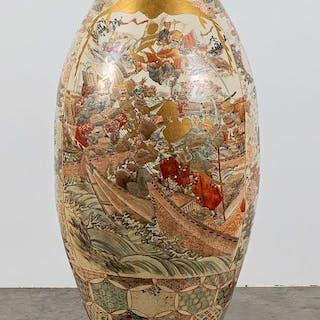 Japanese Satsuma palace vase