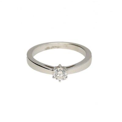 Diamond ring 0.30 ct gold 18 carat.