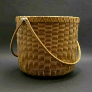 Large Double loop-swing handled Nantucket basket by Paul Willer 85' GC3A