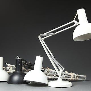 Louis Poulsen. Fire arkitektlamper, model IT-lampen (4)