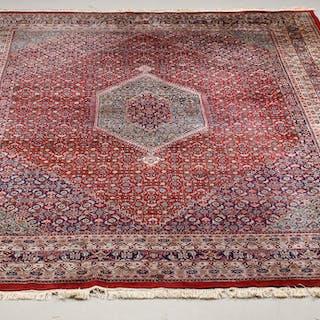 Indisk tæppe 422 x 305 cm.